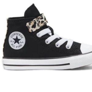 Nib converse Size 9 Velcro no tie slip on leopard